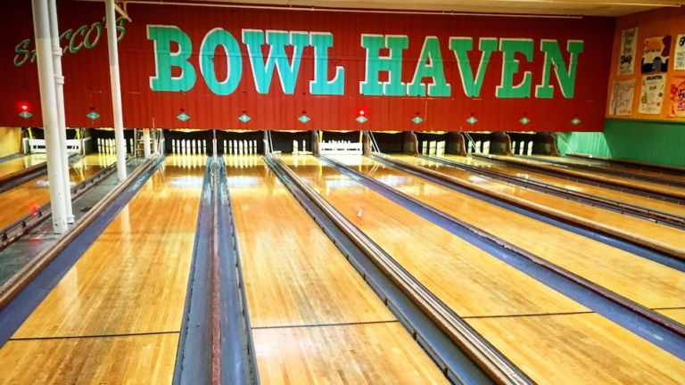 Bowl Haven, Boston