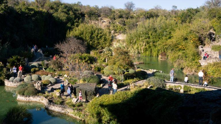 Japanese Tea Garden in San Antonio. Pic via Shutterstock.