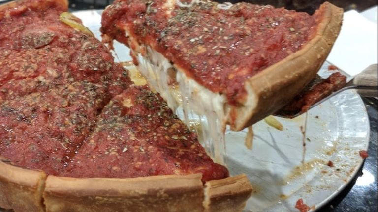 The Art of Pizza in Chicago