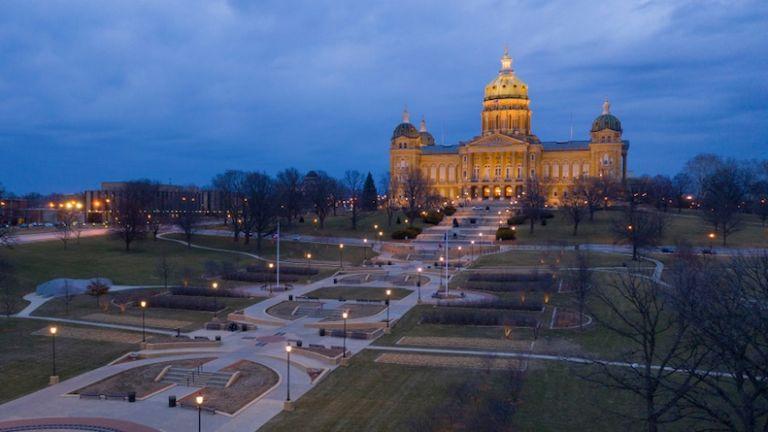 Iowa State Capitol in Des Moines, Iowa. Photo via Shutterstock.