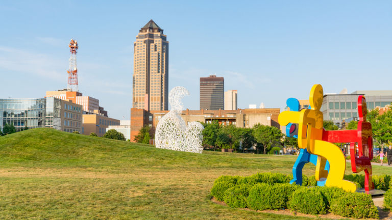 PappaJohn Sculpture Park. Photo via Shutterstock.