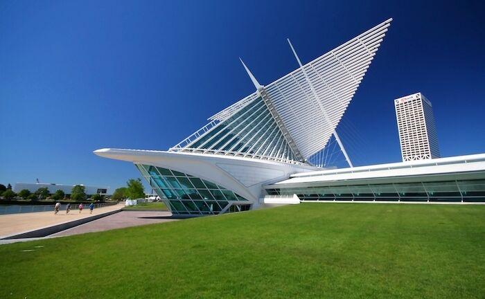 Milwaukee Art Museum. Photo via Shutterstock.
