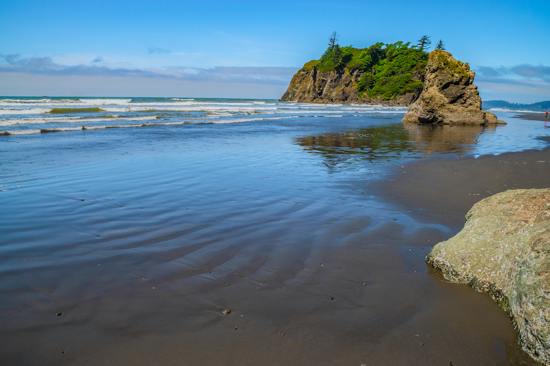 Beautiful Clear Day at Ruby Beach in Olympic National Park, Washington. Photo by Shutterstock.