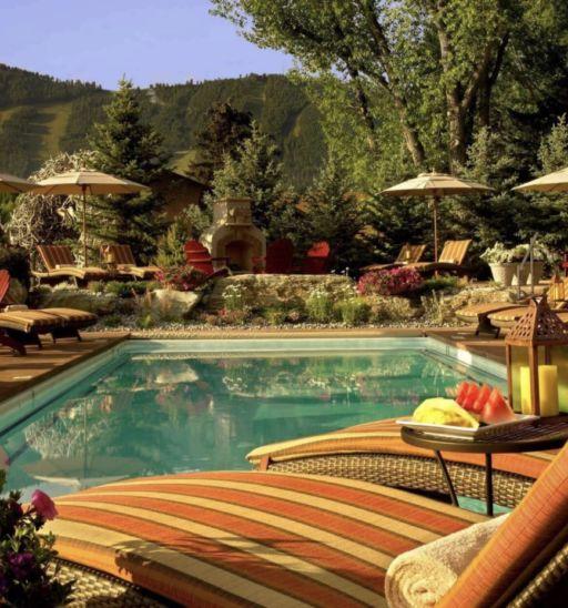 Rustic Inn Creekside Resort and Spa